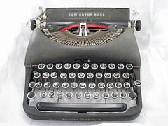 typewriter-686927__180
